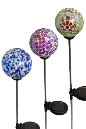 A Color Changing Garden Stake   Solar Powered Outdoor Lighting