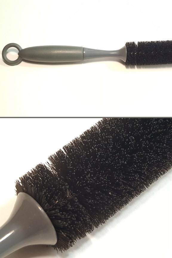 Dryer Brush: Close up view.