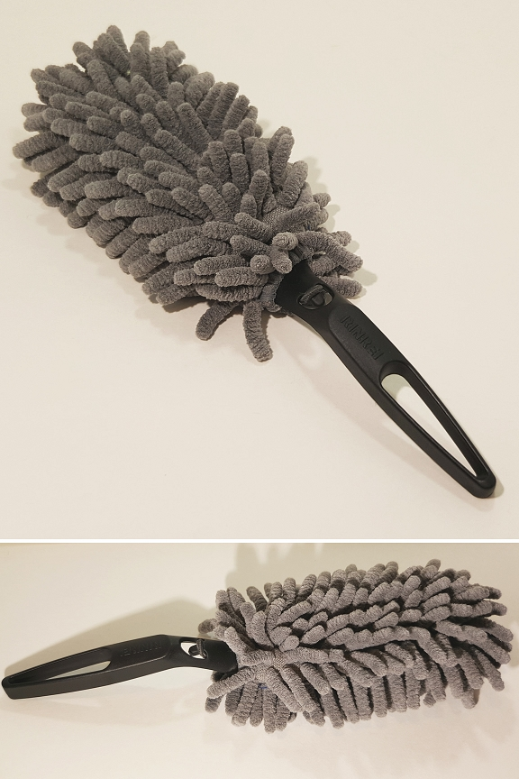 Product detail: top and side view - chenille mini duster.