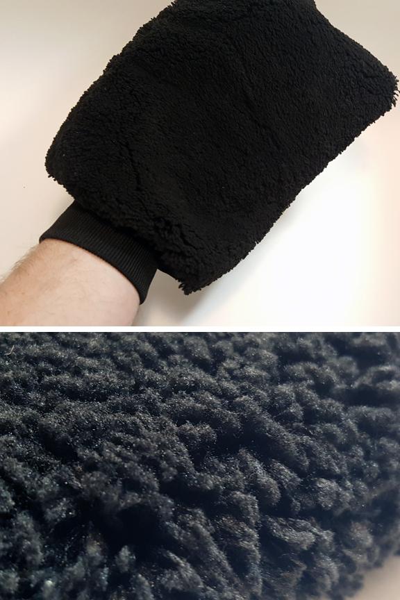 Large detailing mitt. Plush, synthetic lambs wool.