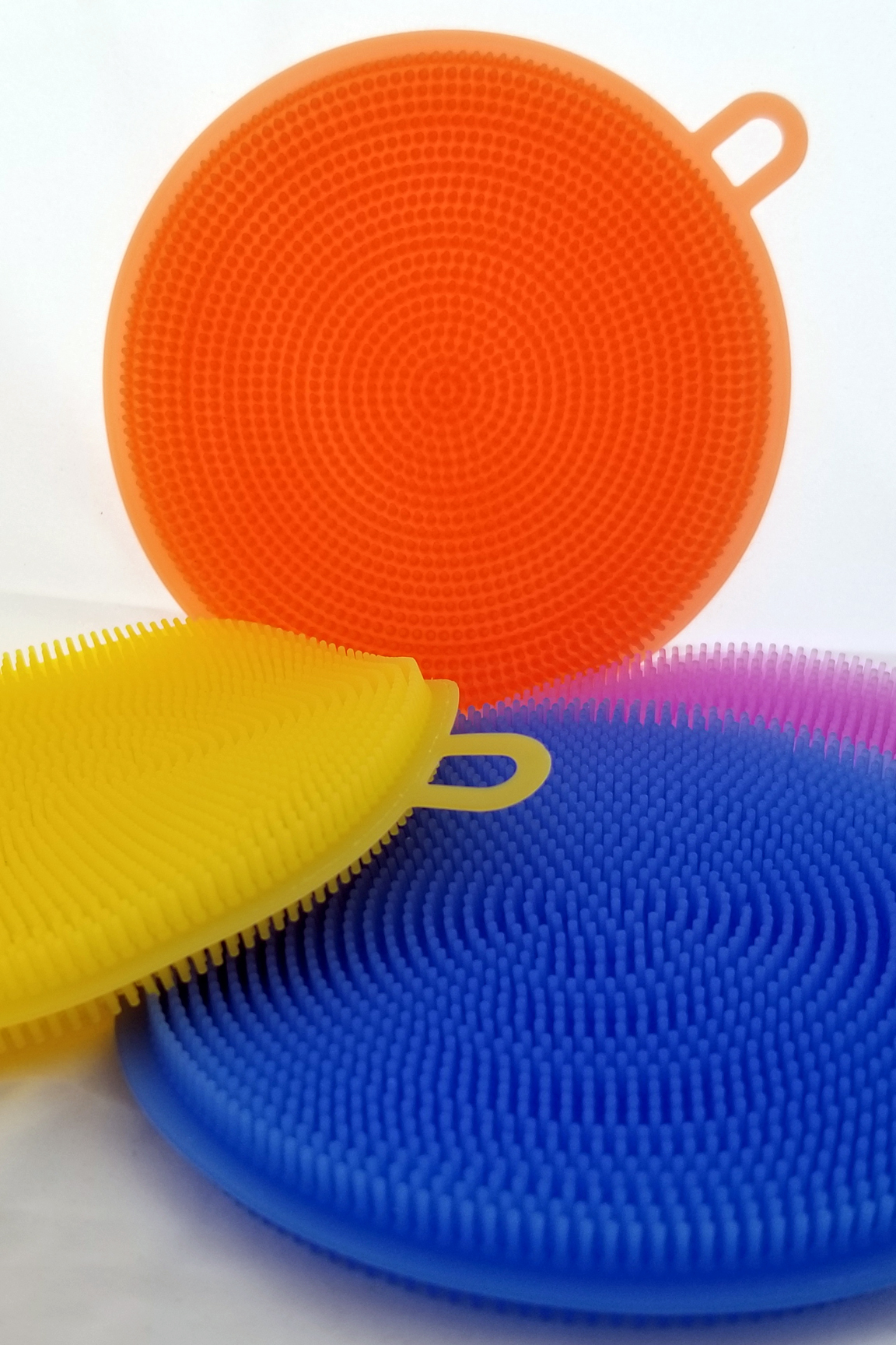 Thousands of gentle silicone scrubbers.