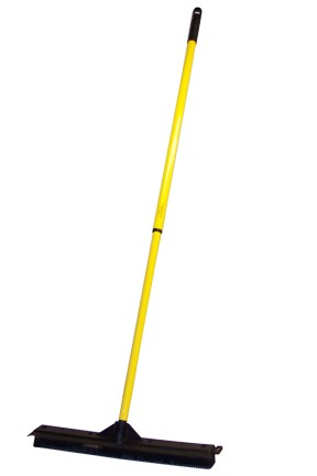 "18"" Outdoor Rubber Broom"